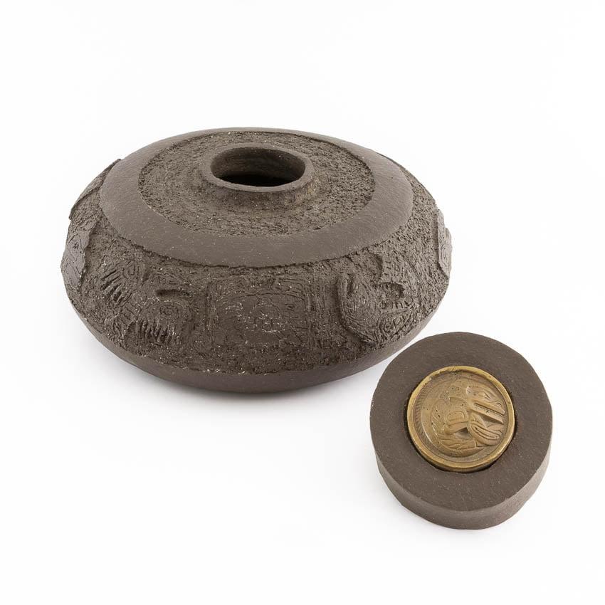 urn_keramiek_keramische_bijzondere_unieke_totems_brons_handwerk_op_maat_atelier