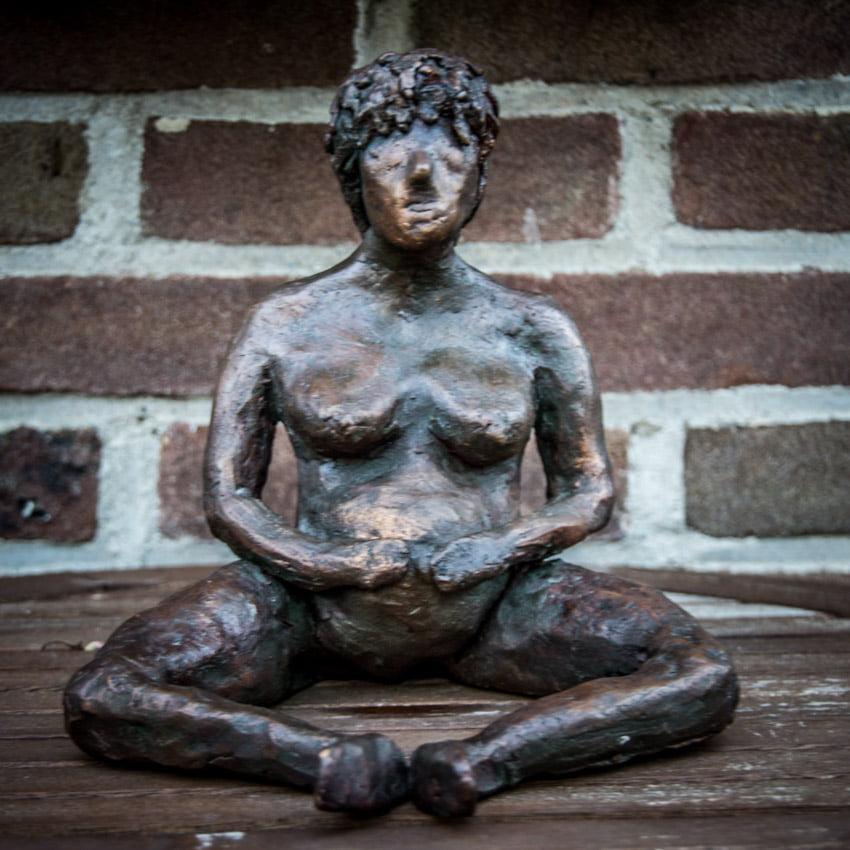 vrouwelijk_naakt_zwanger_keramiek_keramisch_beeld_bronstinten_uniek_bijzonder